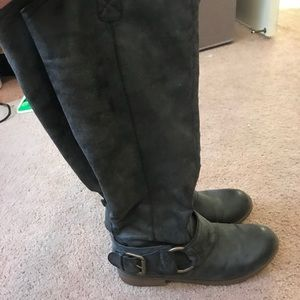 Women's size 8/12 mossimo boots